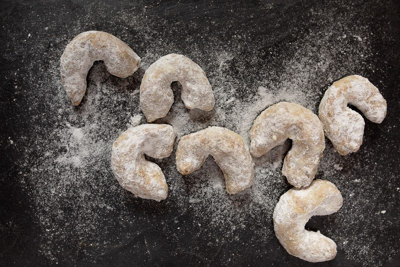 Cornulețe cu nucă și vanilie